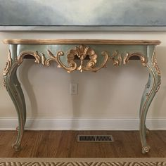 Rococo Furniture, Green Furniture, Painted Furniture, French Console Table, Modern Console Tables, Rococo Style, Furniture Restoration, Rome Apartment, Renaissance