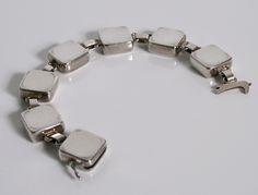 Georg Jensen Jewellery - Astrid Fog Design No 182 - Georg Jensen UK Diy Jewelry, Jewlery, Vintage Jewelry, Bangles, Bracelets, Silver Jewellery, Bracelet Designs, Magazines, Designers