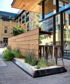 ideas outdoor cafe seating coffee shop restaurant for 2019 Café Exterior, Exterior Design, Rustic Exterior, Craftsman Exterior, Modern Exterior, Exterior Paint, Bar Patio, Patio Table, Deck Bar