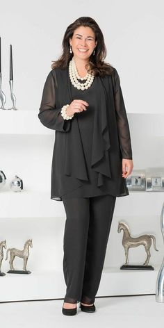 Purple 2020 Mother Of The Bride Pant Suits Dark Navy Three Pieces Chiffon Long Sleeve Jacket Pants Suit Plus Size Wedding Guest Dress Mother Of The Bride Dresses Bride Of Mother Dresses From € Mother Of The Bride Suits, Chiffon Jacket, Plus Size Kleidung, Hijab Style, Moda Plus Size, Mode Hijab, Groom Dress, Plus Size Outfits, Plus Size Fashion