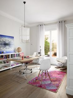 if i had a whole room to designate as my [home] office, i'd keep it fun and open like this. | Freshome