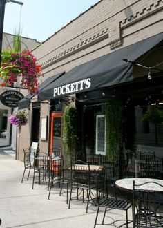 Nothing like live music at Puckett's- A Weekend in Franklin, TN with FOLK Magazine