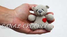 crochet tutorial for amigurumi bear ♥ Orsetto amigurumi - free pattern in italiano -Free crochet patterns for the cutest Valentine's Day animals ever! Say I love you with these sweet amigurumi.Eierwärmer häkeln * DIY * Crochet Egg Cozy [eng sub]E Chat Crochet, Crochet Teddy, Crochet Bear, Crochet For Kids, Crochet Animals, Crochet Dolls, Free Crochet, Crochet Gratis, Baby Knitting Patterns