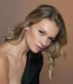 Photographer Jon Maximilian V. Portraits, Lifestyle, Beauty, Cosmetology, Head Shots
