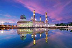Kota Kinabalu City Floating Mosque, Sabah Borneo, Malaysia