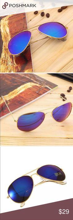 BLUE MIRRORED LENS W/GOLD FRAME AVIATOR SUNGLASSES BLUE MIRRORED LENS W/GOLD FRAME AVIATOR SUNGLASSES Accessories Sunglasses