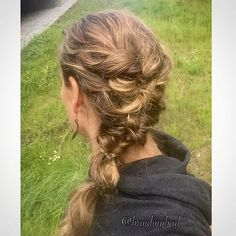 #pinlessupdo with only a few #invisibobblenano s 🍃 Style, as always, inspired by @denisebredtmann 💕 #nopinsneeded 😊 . . #suomiletit #updo #festivehair #hairstyle #juhlakampaus #topsytail #pinnitönkampaus #braidinghair #hairstyle #hairdo #hairideas
