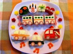 【誕生日・幼児食プレート】電車&働く車♪ by 耕ちゃんママ 【クックパッド】 簡単おいしいみんなのレシピが284万品 Birthday Menu, Birthday Plate, 2nd Birthday, Bento Kids, Cute Bento, Kids Menu, Baby Eating, Kid Friendly Meals, Cute Food