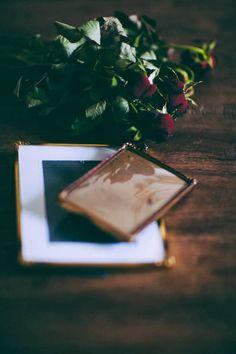 old frames, photo by asunto e