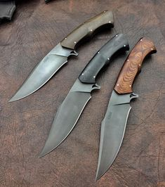 A photo taken with the cell phone of the three different handles. #knifemaker #casbrother #claudiosobral #knifecollection #cas #casknives #knifeporn #knifeporn #knifecommunity #blade #k720 #hadmade #scorpion #micarta @dlttrading