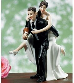 Thirteen Awesomely Funny Wedding Cake Toppers (13 Pics)