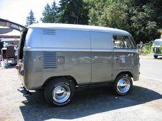 """Shortened """"half way"""" by only removing one door's width instead of both, so the van is still drivable. Volkswagon Van, Volkswagen Bus, Vw T1, Kombi Hippie, Big Monster Trucks, Vw Rat Rod, Short Bus, Combi Vw, Mini Bus"""