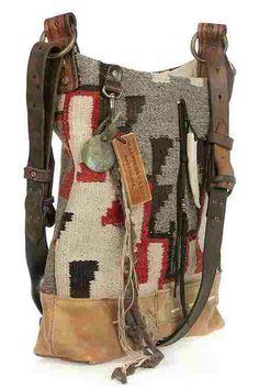 Flò new age consiglia: Ralph Lauren Collection Vintage Blanket hobo bag Sacs Tote Bags, Mk Bags, A Well Traveled Woman, Mode Hippie, Estilo Hippie, Vintage Blanket, Moda Boho, Boho Bags, Bohemian Bag