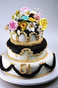 Viorica's cakes: A cake lavishly