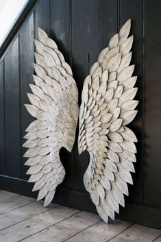 Use these Feather Effect Metallic Wings as a fabulous alternative to traditional wall art Hang them above your fireplace bed or in a child s room for Abstract Metal Wall Art, Large Metal Wall Art, Unique Wall Art, Modern Wall Art, Angel Wings Wall Decor, Wing Wall, Accessories Display, Decorative Accessories, Room Accessories