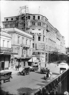 1927 ~ Stadiou street. The building of Μετοχικό Ταμείο Στρατού (Army Pension Fund) is under construction