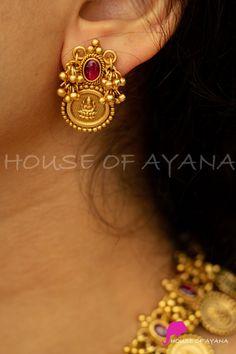 Gold Earrings Models, Jewelry Design Earrings, Gold Earrings Designs, Gold Jewellery Design, Gold Ring Designs, Gold Jewelry Simple, Gold Studs, Bangle, Gold Necklace