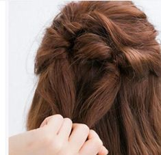 Hairstyles for girls dating Princess Hairstyles, Girl Hairstyles, Beautiful Clothes, Beautiful Outfits, Hair Illustration, The Girl Who, Little Princess, Hair Type, Hair Extensions
