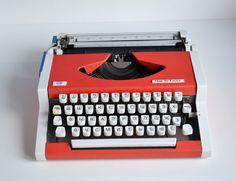Vintage Typewriter Retro Portable Typewriter by oldschoolvibes