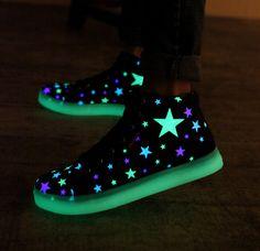 "Fashion kawaii stars luminous canvas sneakers CuteKawaiiHarajukuFashionClothing&AccessoriesWebsite.SponsorshipReview&AffiliateProgramopening! shoes with LED luminous, definitely something so fashionable, use this coupon code ""Fanniehuang"" to get all 10% off"