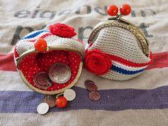 De wereld van Mejuffrouw B: Hollands weer ~ Hollands haken! Crochet Wallet, Crochet Coin Purse, Crochet Purses, Knit Crochet, Yarn Inspiration, Market Bag, Knitted Bags, Loom Knitting, Purses And Bags