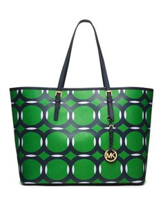 #MichaelKors Normally I dont think there will be the outfit of Michael Kors until I find it. Dont miss this god given chance! #MKBags Some of them just cost $33.99 in this store and you worth owning.
