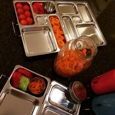 #kivanta #planetbox #stainlesssteel #stainlesssteelbento #miir #stainlesssteelbottle #stainlesssteelcontainer #kilner #spiralizer #kilneruk #kilnerjar #glassstorage #glasscontainer #veggiespiralizer #vegetablespiralizer #schoolbreakfast #nowaste #noplastic #breakfasttogo #kindergarden #kindergarden #kindergardenbreakfast  First time in a week that all 3 will actually leave the house. We've been all sick on and off.  Because the carrots look so great they are now 'on display' for a ready to…