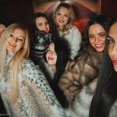 Steampunk Clothing, Steampunk Fashion, Gothic Fashion, Gothic Steampunk, Victorian Gothic, Fox Fur Coat, Fur Coats, Gorilla Suit, Gothic Girls