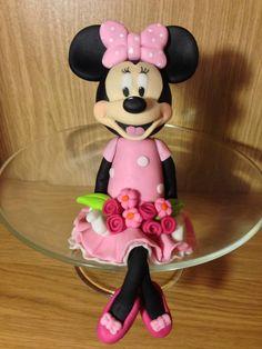 Minnie Mouse fondant figura készítése képekben