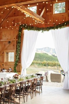 rustic, barn, event decor, vineyard, Laura Murray