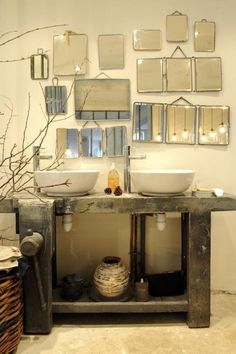 mirror, mirror bathroom, eclectic gallery wall o Eclectic Gallery Wall, Vintage Mirrors, Mirrors Silver, Rustic Mirrors, My Dream Home, Interior Inspiration, Bedroom Inspiration, Interior And Exterior, Sweet Home