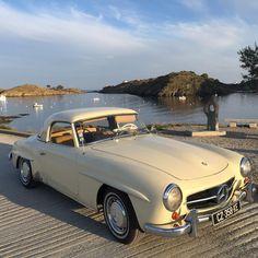 Beautiful setting! Mercedes Benz #190SL. Pic via: www.calmablanca.es / #BruceAdams190SL #190SLRestorations #300SLRestorations