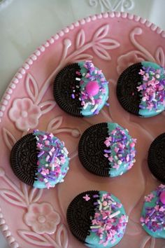 bocadillos Chocolate Dipped Oreos from an Easter Dessert Table on Kara's Party Ideas Dessert Party, Dessert Table Birthday, Party Desserts, Kids Dessert Table, Easter Deserts, Easter Treats, Ostern Party, Bolo Floral, Jojo Siwa Birthday