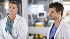 Charlie v.s. Joel: Both are orthopedic surgeons, but only one is the Chief of Surgery! #SavingHope #MichaelShanks #DanielGillies