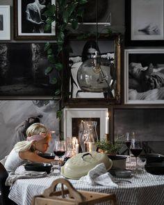 "Ruta Vitesson on Instagram: ""𝓓𝓲𝓷𝓷𝓮𝓻 𝓞'𝓒𝓵𝓸𝓬𝓴"" Oclock, Living Room, Dinner, Painting, Instagram, Suppers, Paintings, Sitting Rooms, Family Room"