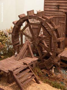 belenistas de la Isla. Fotos Punjabi Culture, Garden Waterfall, Water Mill, Timber House, Le Moulin, Wood Art, Cribs, Board Games, Nativity