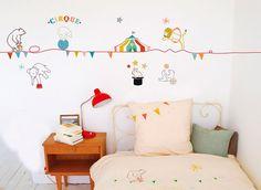 Mimilou, la #decoracióninfantil más mágica de #parís #decoración #vinilos #charhadas http://charhadas.com/ideas/2497-mimi-lou-la-decoracion-infantil-mas-magica-de-paris