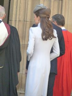 A gorgeous hairstyle under the Duchess's Jane Taylor hat #RoyalVisitAus pic.twitter.com/lSFGo78BJx