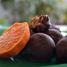 Greek Recipes, Truffles, Finger Foods, Christmas Time, Plum, Biscuits, Sweet Treats, Deserts, Muffin