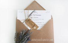 En este artículo te enseñamos como hacer tus invitaciones de boda rústicas de una forma sencilla y económica. Invitaciones de Boda Rústicas con Lavanda.