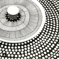 Marimekko classic black and white dinnerware is a must have… White Dinnerware, Tribal Patterns, Marimekko, Scandinavian Style, Surface Design, Pottery, House Design, Plates, Black And White