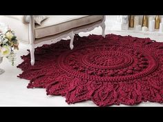 Tapetes luxuosos de crochê para inspiração (net) - YouTube Freeform Crochet, Irish Crochet, Knit Crochet, Crochet Purses, Crochet Doilies, Crochet Carpet, Afghan Rugs, Crochet Books, Crochet Videos