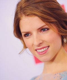 Anna Kendrick the performer of the cup song