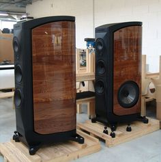 Sonus Faber speakers available at Audio Visual Solutions Group 9340 W. Sahara Avenue, Suite 100, Las Vegas, NV 89117. The only McIntosh/Sonus Faber Platinum Dealer in Las Vegas, Nevada. Call us for pricing & availability @ (702) 875-5561.