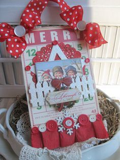 vintage style MERRY bingo card children WREATH picket fence altered plaque sign decoration