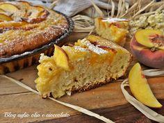 la crostata con crema alle pesche è di una bontà unica è semplicissima da fare, molto morbida e molto profumata ed è ottima da gustare a colazione