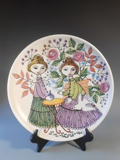 Kupittaan Savi Studio Finland Figural Polychrome Charger ca. Hand Painted Ceramics, Porcelain Ceramics, Ceramic Plates, Ceramic Pottery, Illustration Art Drawing, Scandinavian Art, Vases Decor, Vintage Ceramic, Finland
