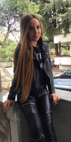 Black Leather Teen - Black Leather Teen Source by - Teen Leggings, Leather Leggings Outfit, Leather Jacket Outfits, Leggings Are Not Pants, Hot Outfits, Girl Outfits, Fashion Outfits, Black Faux Leather Jacket, Leather Pants
