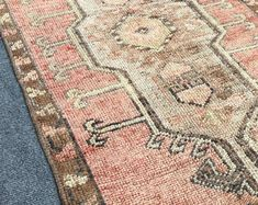 HAND MADE ORİENTAL VİNTAGE OUSHAK KİLİMS AND RUGS by ETHNICARTSHOP Bohemian Rug, Oriental, Rugs, Handmade, Stuff To Buy, Etsy, Vintage, Home Decor, Farmhouse Rugs