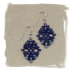 Diamond (navy) Tatted Earrings | Made by ElizabethsLace | On Etsy for $44,00 | #Tatting